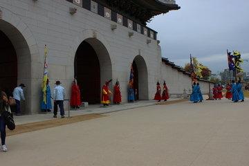 守門将交代儀式