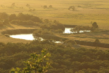 夕陽に照らされる釧路湿原