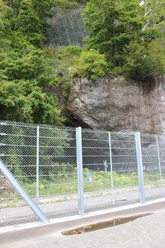 マッカウス洞窟がフェンスで封鎖されている・・・