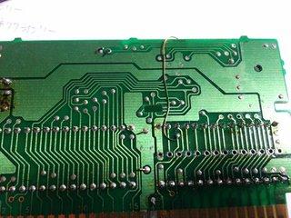 カードコネクタの18番ピンをMMC3Cの21番ピンに繋ぐ