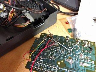 RFモジュール出力用のDIN 8ピンをRGB出力用に使う