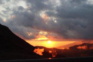 大涌谷から芦ノ湖を臨む