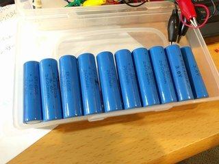 空になった青電池