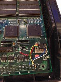 電池の跡地を利用してサブボードに固定