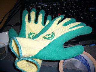 ダンボールを運びやすい手袋