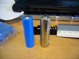 普通の単三乾電池との比較