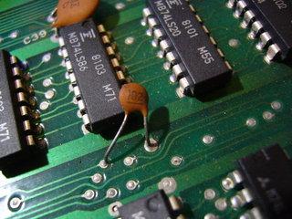 部品取り基板の1000pFのコンデンサ