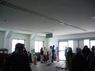 ロープウェイ終点の待合室2