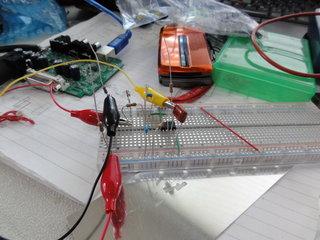 ブレットボードでLM1881の周辺回路を作成