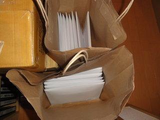 メール便で送る束