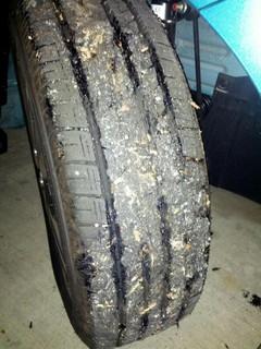 タイヤが酷いことに